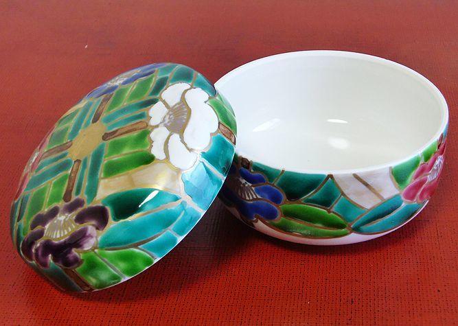 清水焼 食卓小物 花椿(蓋物)(はなつばき)