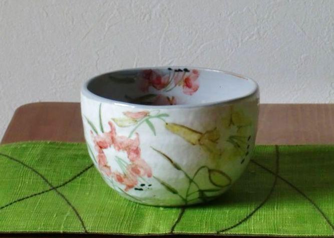 画像1: 清水焼 いっぷく碗 8月 百合(ゆり) (1)